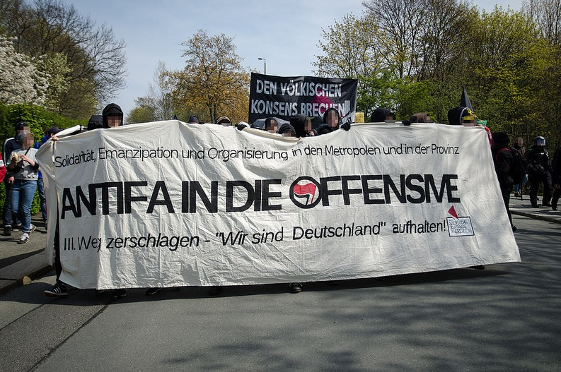 antifa in die offensive