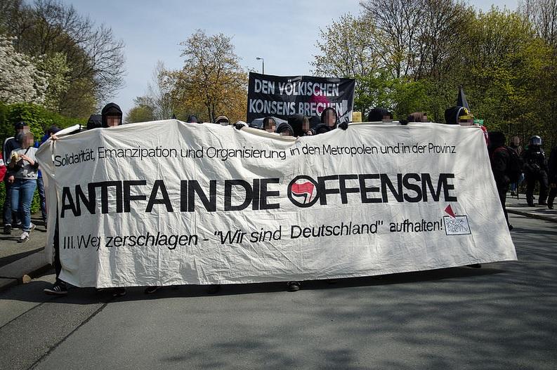 antifa in die offensive